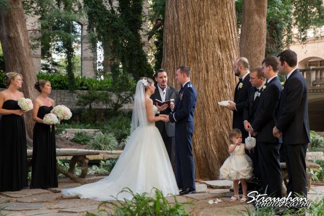 Laura wedding Hotel Contessa ceremon close up