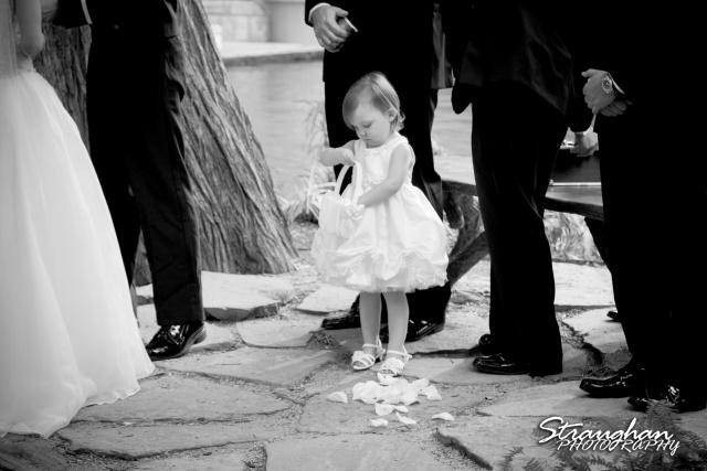 Laura wedding Hotel Contessa little girl