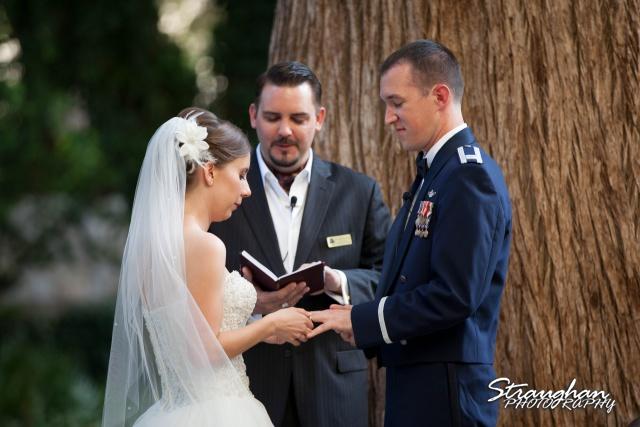 Laura wedding Hotel Contessa ring exchange her