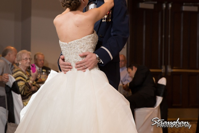 Laura wedding Hotel Contessa first dance