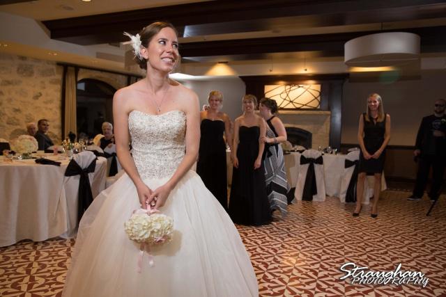 Laura wedding Hotel Contessa bouquet toss