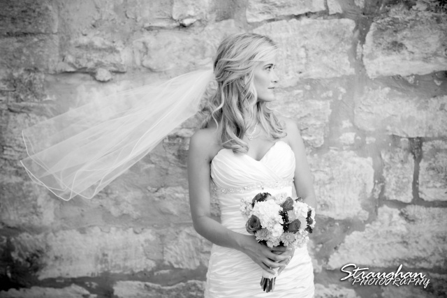 Lynn's Bridal 1850 Settlement in Bulverde bw veil flying