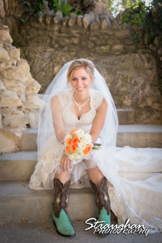 Michelle VH bridal sitting Japanese Tea Gardens siiting on steps with boots