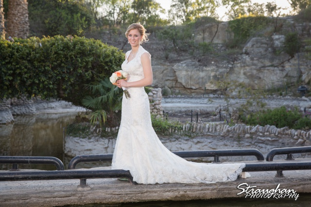 Michelle VH bridal sitting Japanese Tea Gardens on bridge