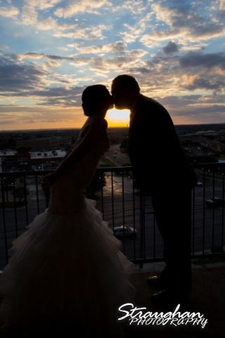Alexis wedding Plaza Lecea silhouette