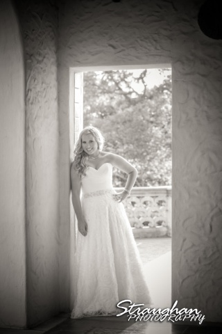 Robyn's Bridal McNay Art museum doorway ph