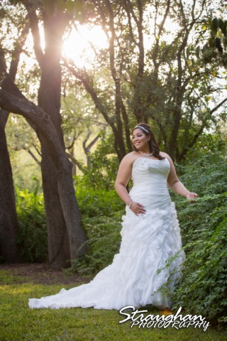 Sciobahn bridal Landa Library sunlite through the trees