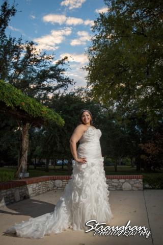 Sciobahn bridal Landa Library blue sky