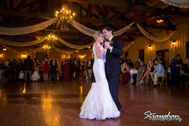 Sarah Higley wedding Bella Springs first dance