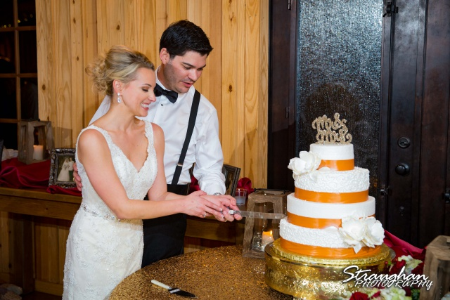 Sarah Higley wedding Bella Springs cake cutting