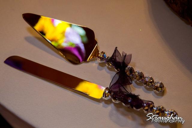 Jeanette wedding Boulder Springs Stonehaven cake cutter