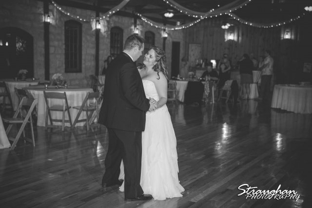 Jeanette wedding Boulder Springs Stonehaven centerpieces final dance