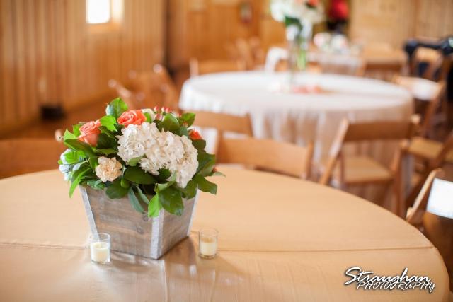 Teresa wedding Boulder Springs, Legacy hall centerpiece