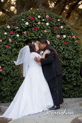 Jen and Manuel Kiss