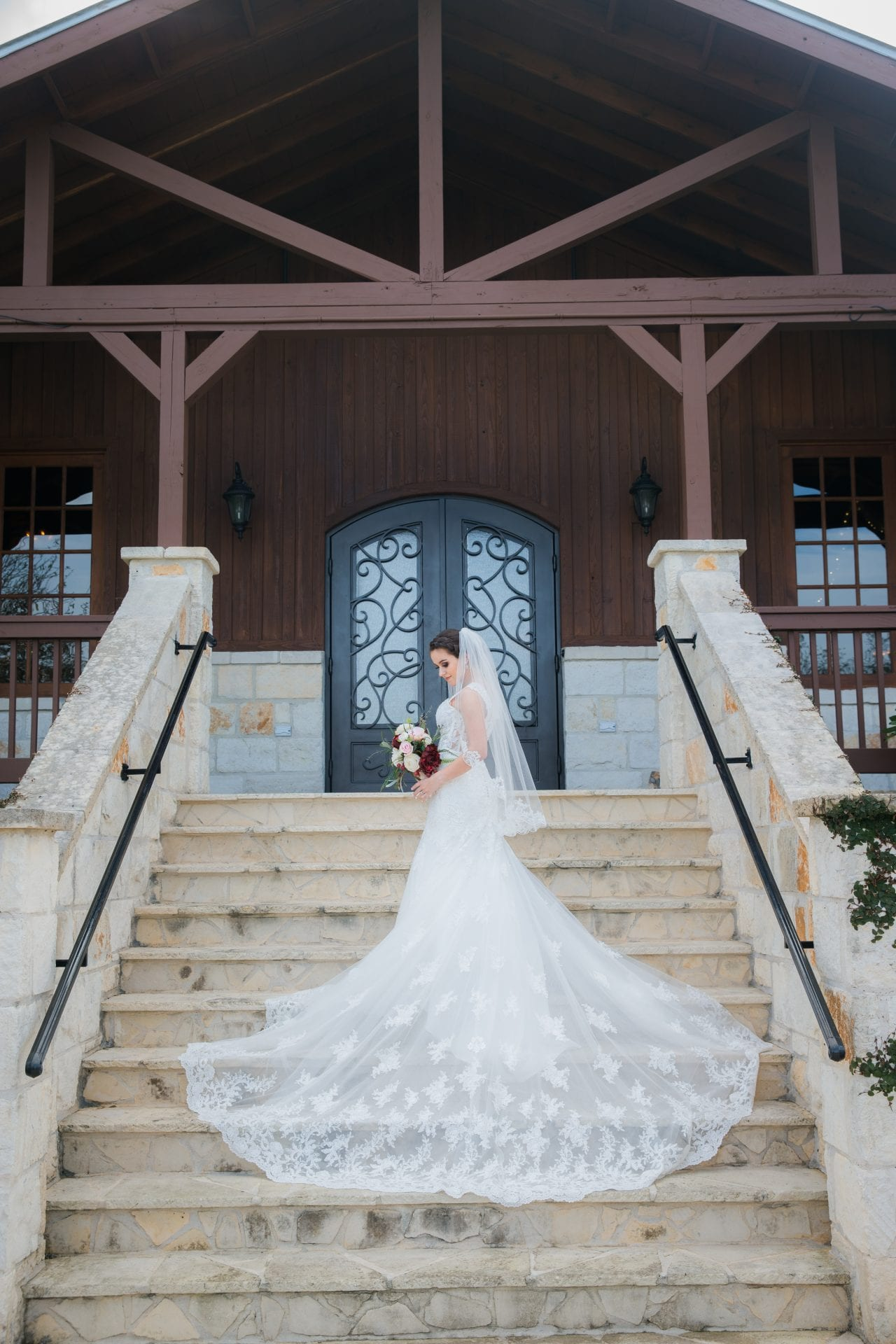 Bridal portrait at the mIlestone New Braunfels