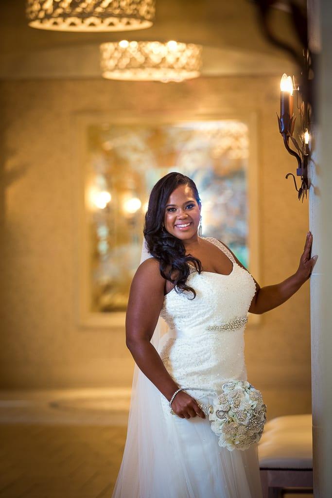 Bridal photo yellow lights