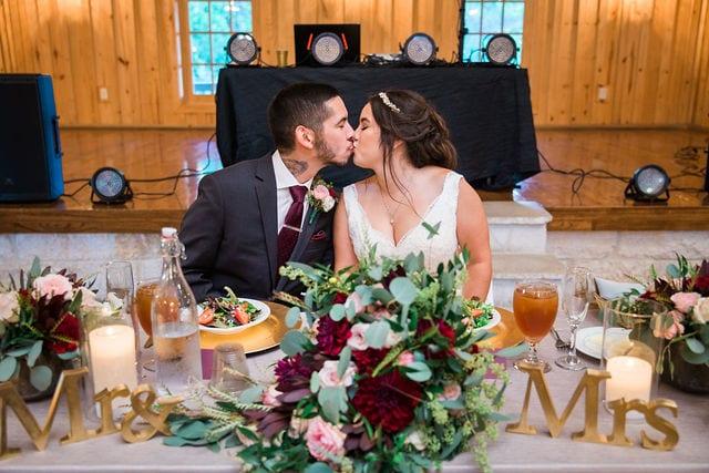 Dinner kiss Andrea