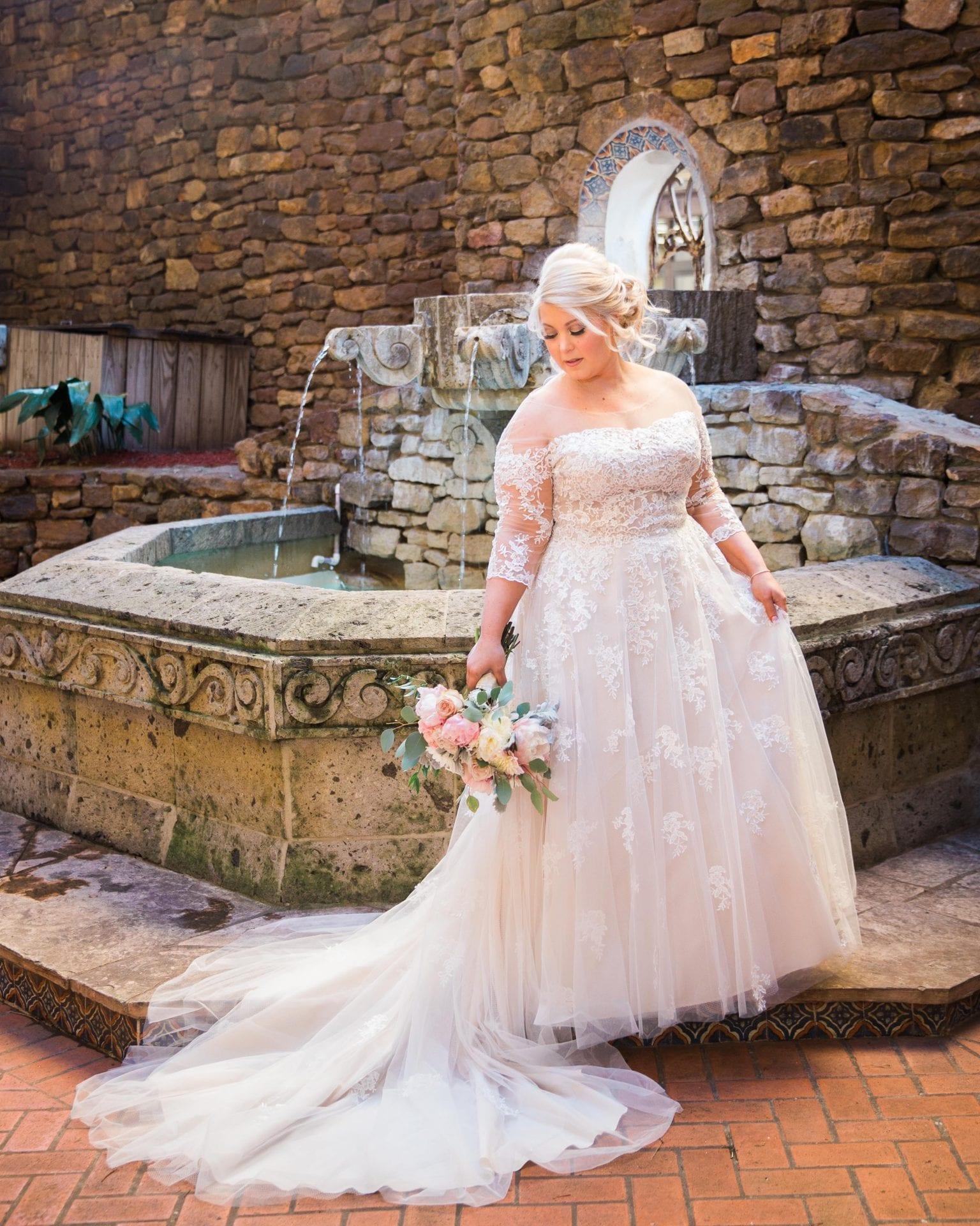 Kara's Bridal Omni De La Mansion