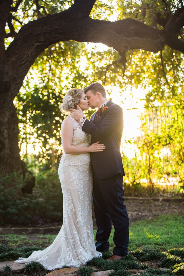 Ft Worth wedding couple sunset kiss Stonegate Mansion