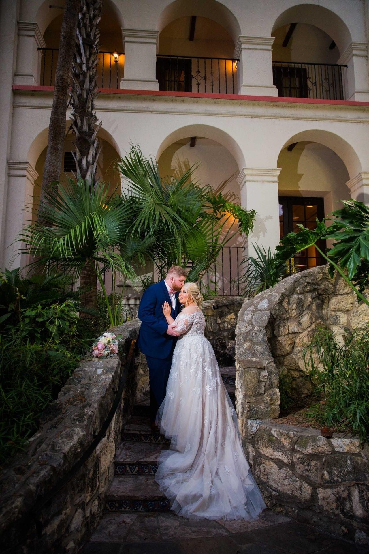 Crawford wedding Omni Del Mansion riverwalk portrait outside staircase