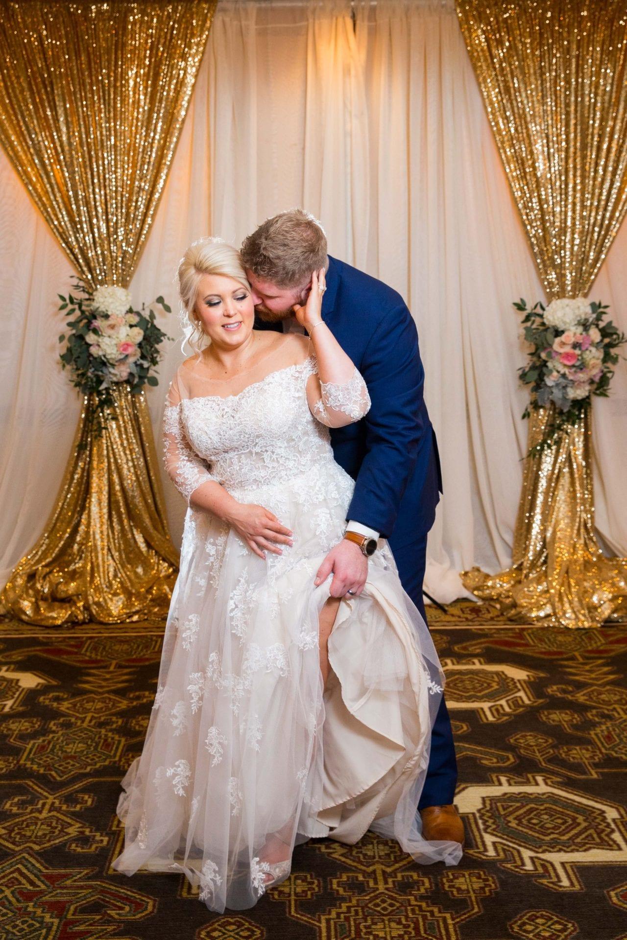 Crawford wedding Omni Del Mansion riverwalk leg up