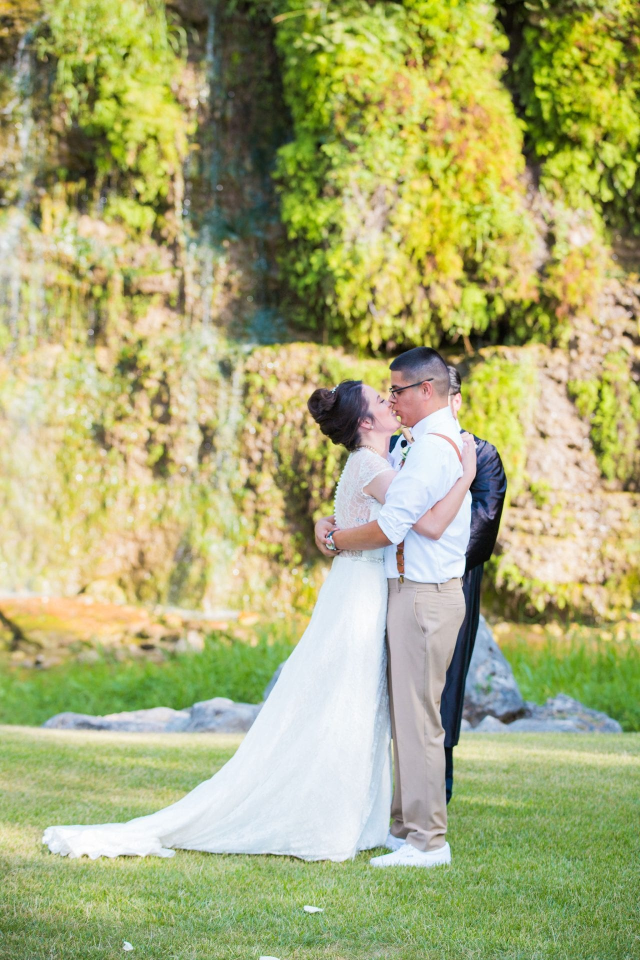 Aamber wedding Canyon Springs Golf Course the kiss