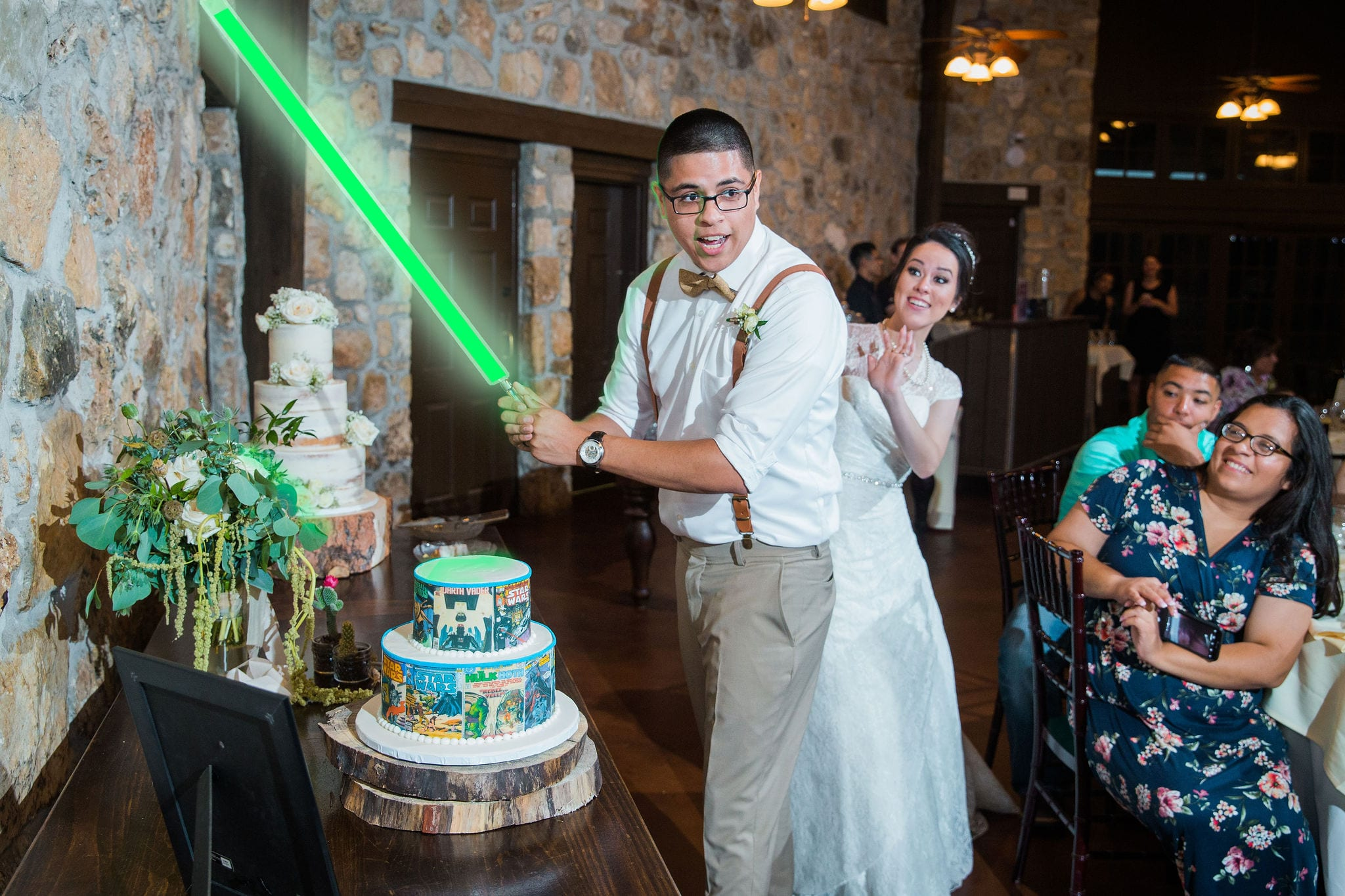 Aamber wedding Canyon Springs Golf Course light sabor cake cutting