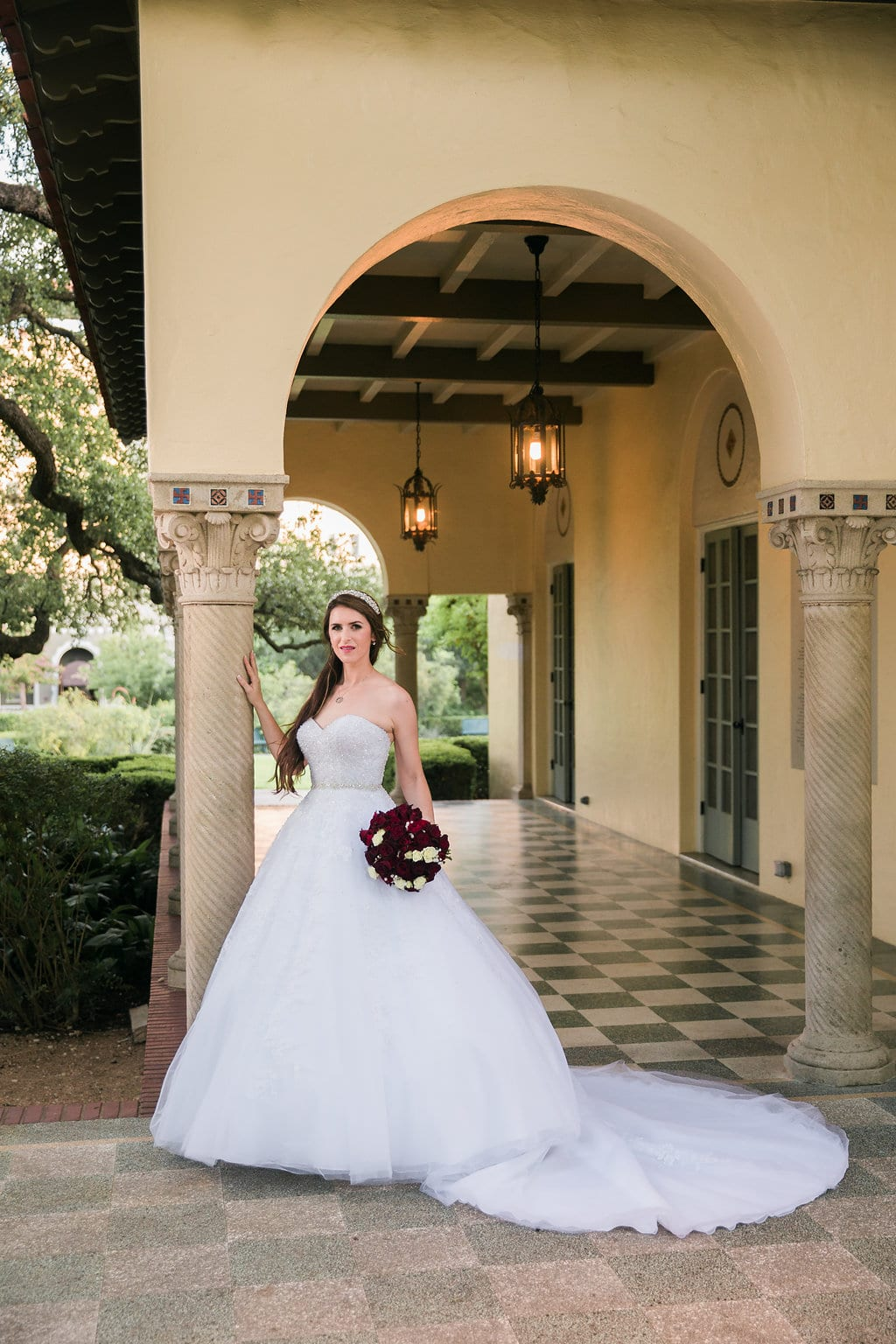 Laura's bridal at Landa Library arches classic