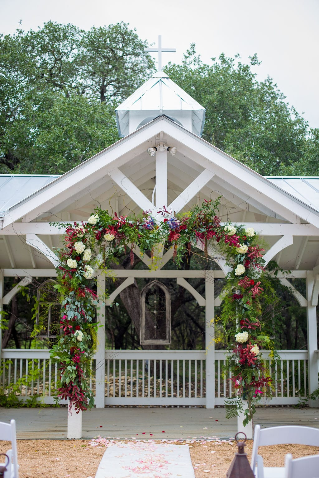 Laura wedding Western Sky arbor