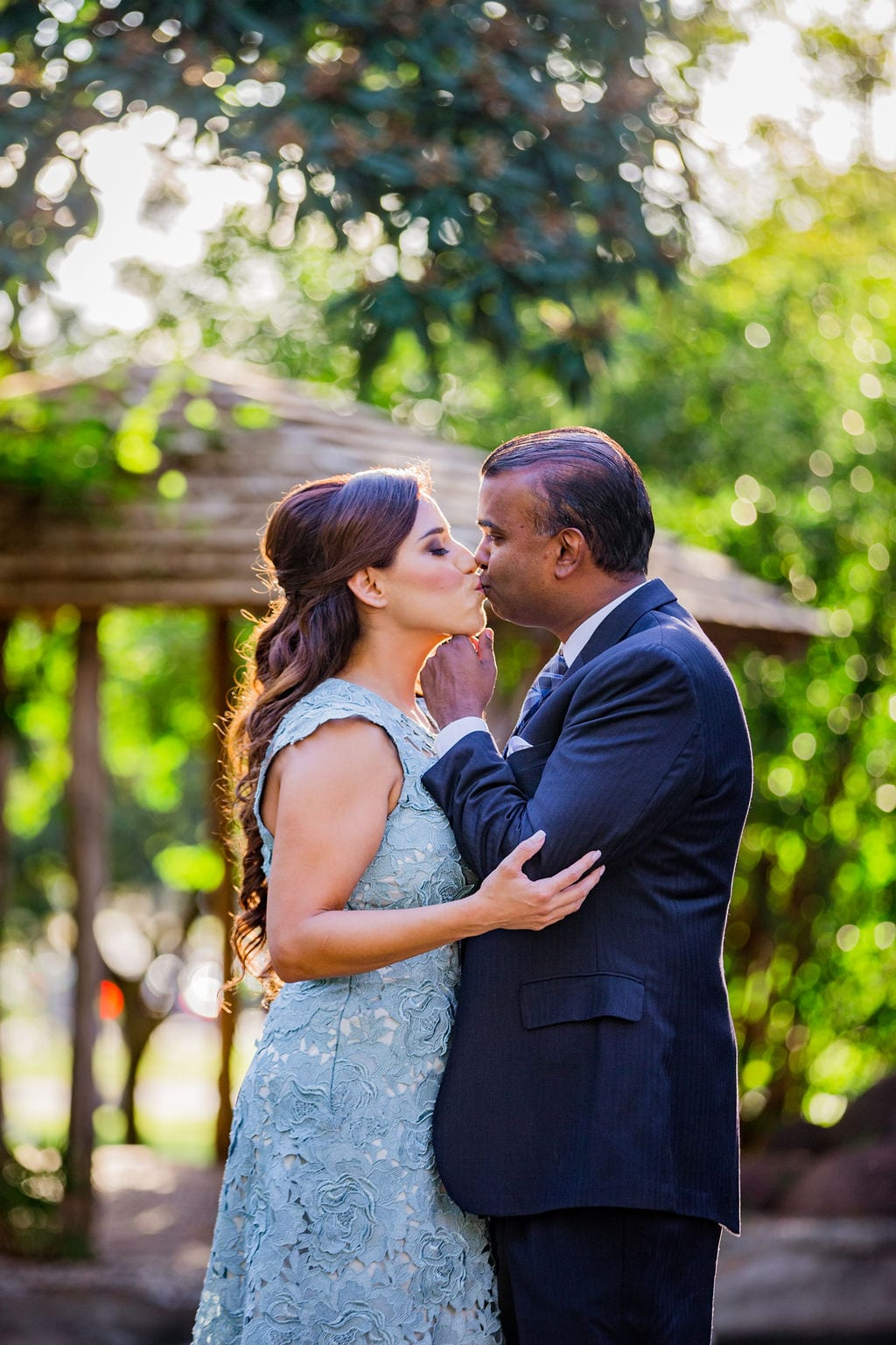 Mary Elizabeth's engagement at the McNay chin kiss