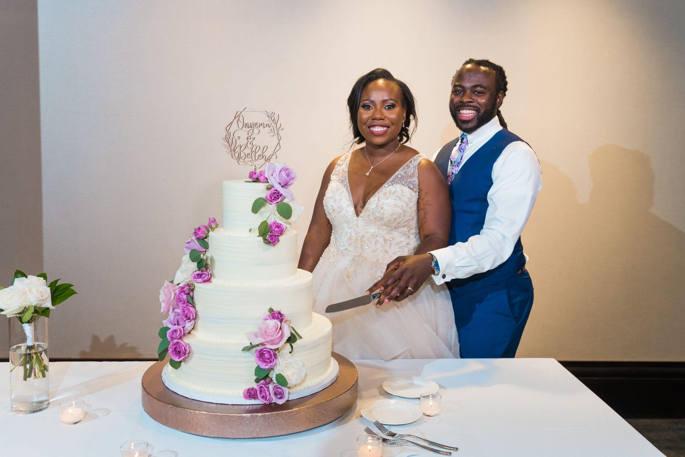 Onyema wedding La Cantera cake cutting