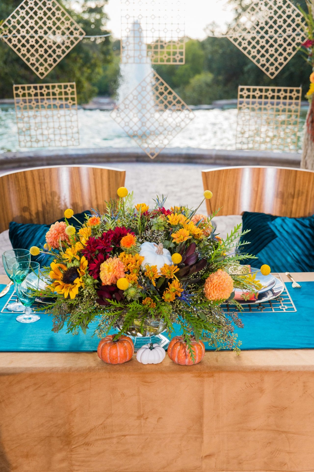 Fall styled shoot at the McNay art museum centerpieces